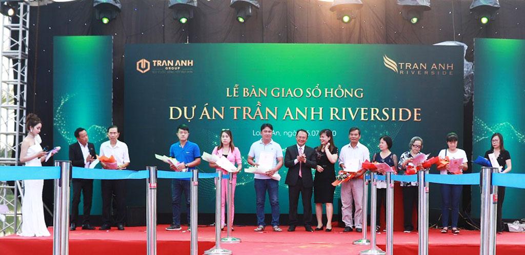 """Trần Anh Group chính thức bàn giao """"sổ hồng"""" dự án Trần Anh Riverside"""